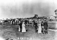 Picnic races at Blackwater, 1916